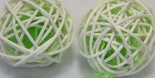 Ratan bal peří 5 cm zelená