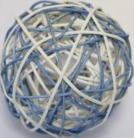 Ratan ball 8cm modrá/bílá