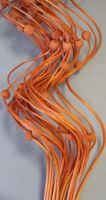 Curly ting dřevěný korálek 80cm oranžová